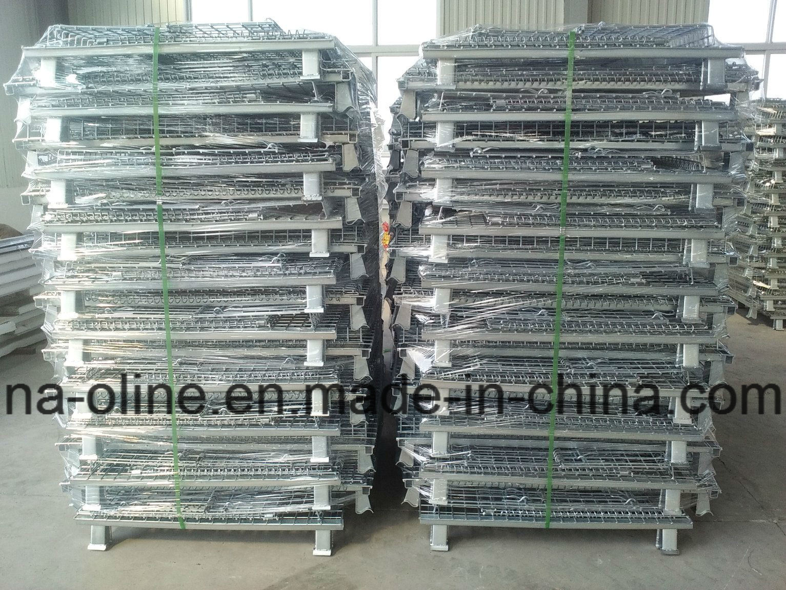 Stackable Folded Wire Mesh Container with Lid