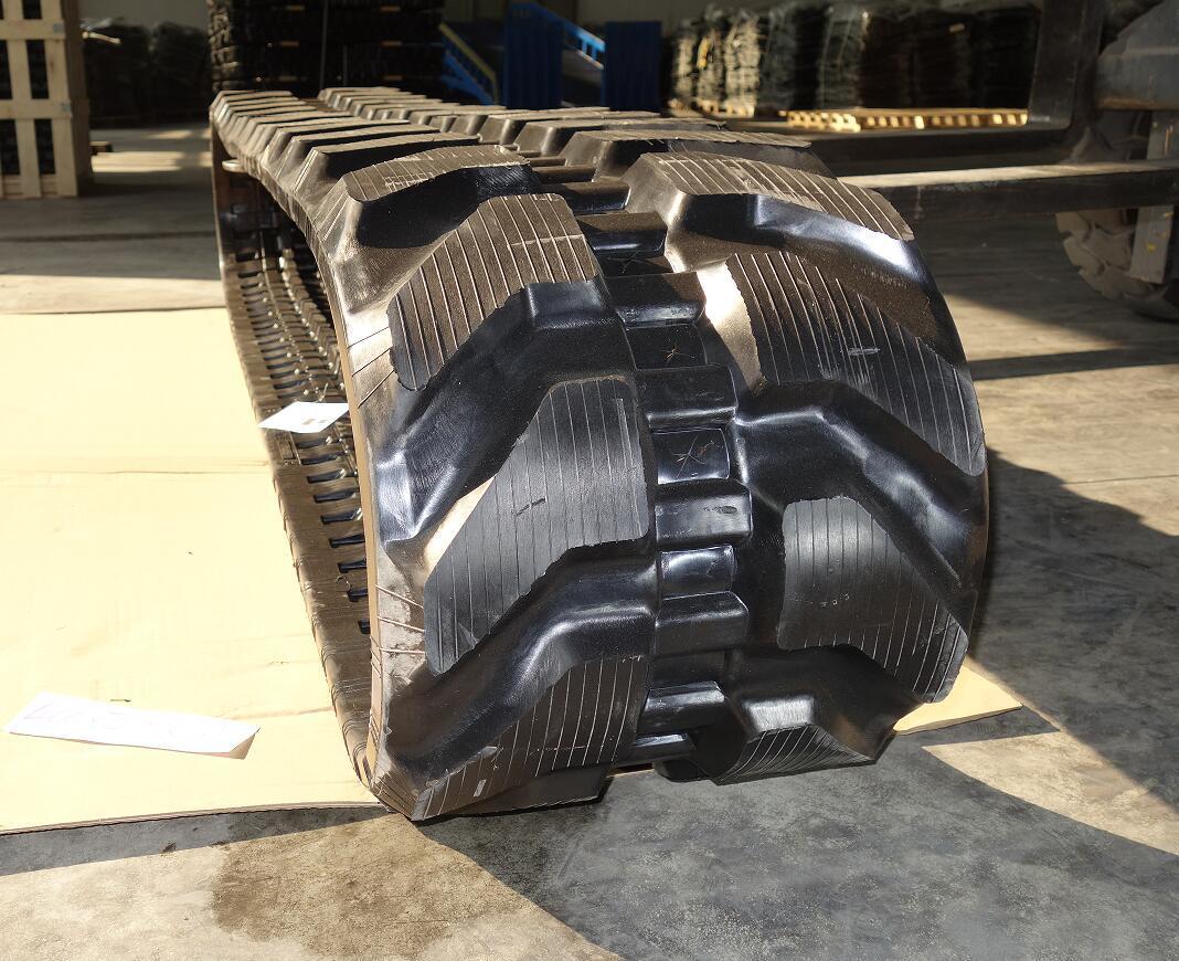 400*72.5kw*84 Excavator Track Rubber Track