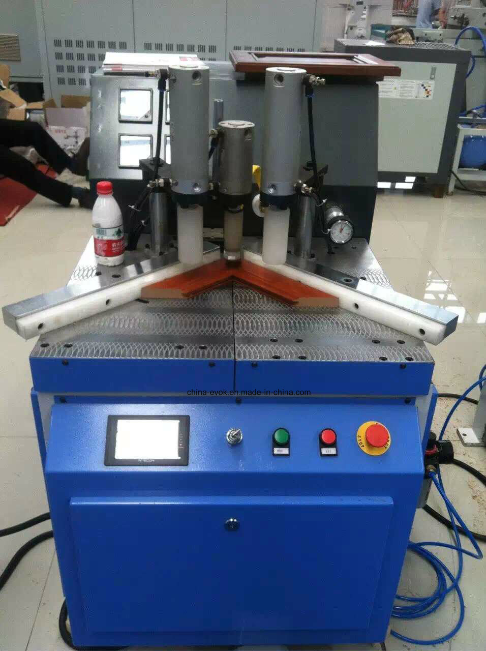 Single Angle High Frequency Wood Frame Joint Machine Tc-868e