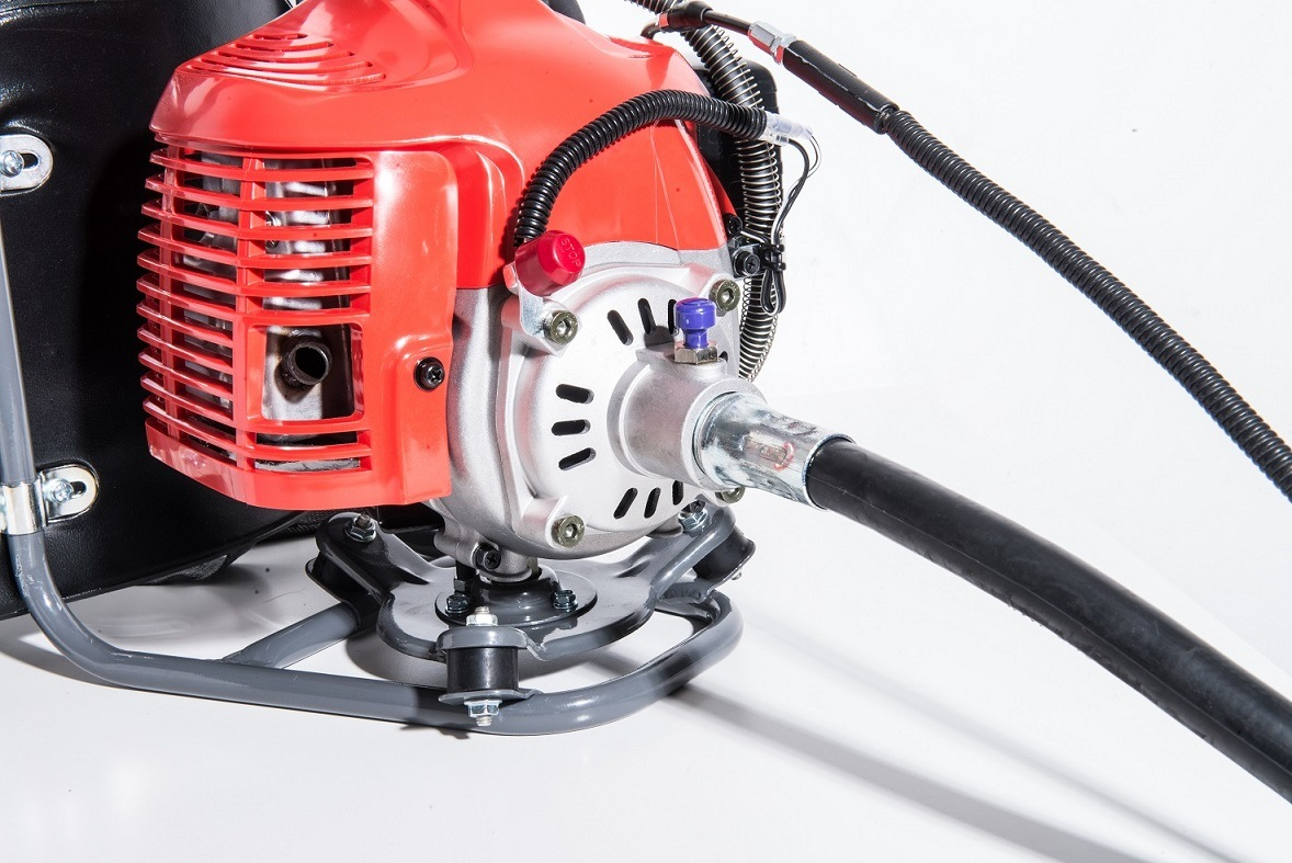 Backpack Brush Cutter Powered by Mitsubishi Gasoline Engine (TU43)