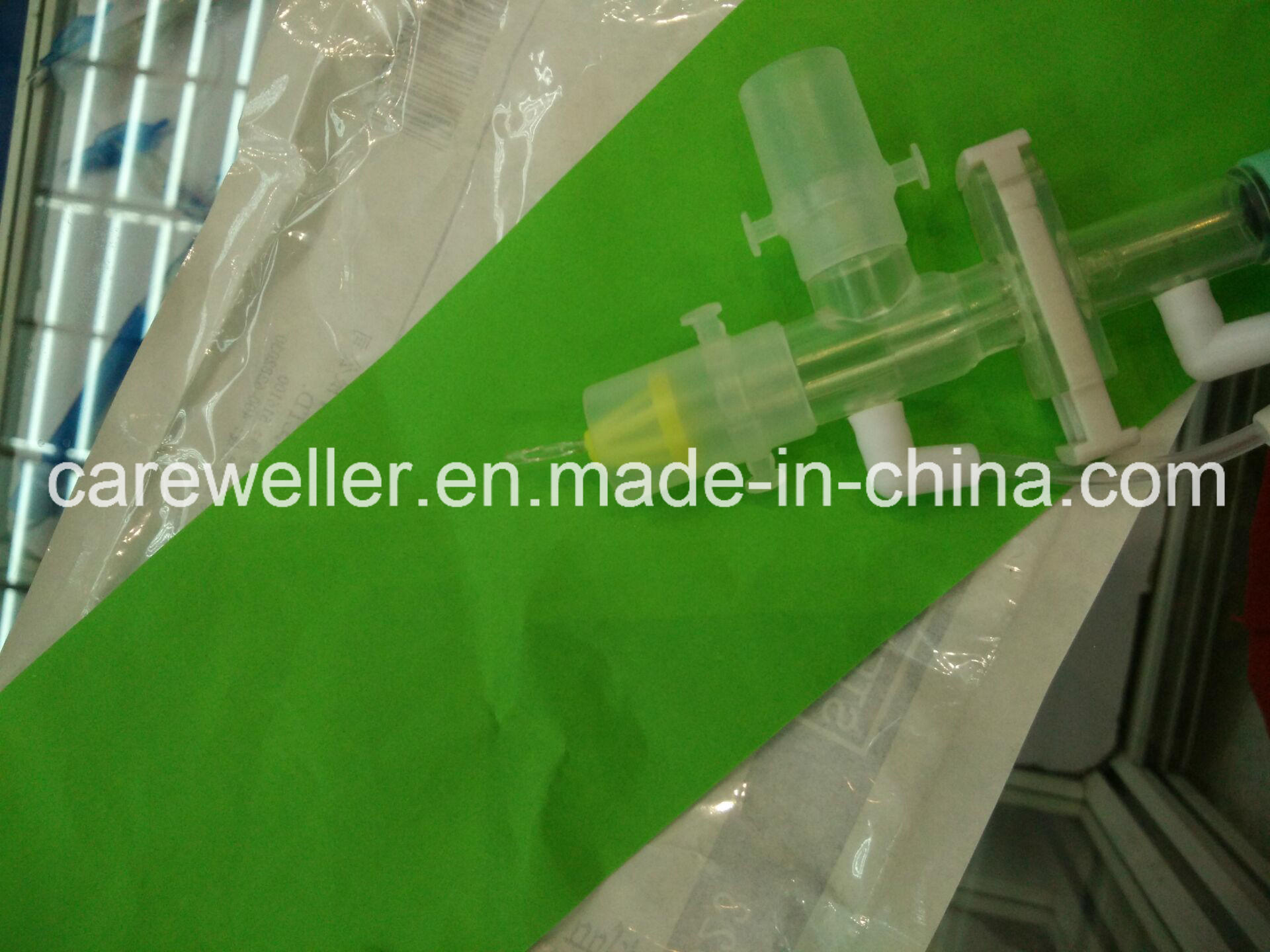 Disposable Medical Closed Suction Catheter