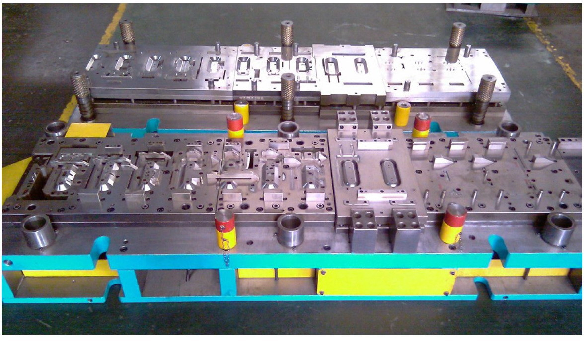 High Standard Quality Sheet Metal Stamping Tooling Auto Parts