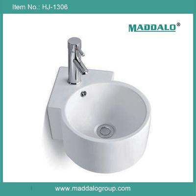 China Small Porcelain Wall Hung Corner Hand Sink (HJ-1306) Photos ...