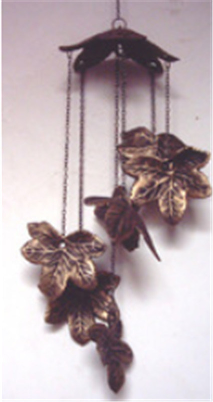 Cast Iron Hanging Decoration in Leaf Design for Garden