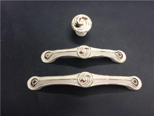 Zinc Alloy Furniture Cabinet Handle (YB8129)