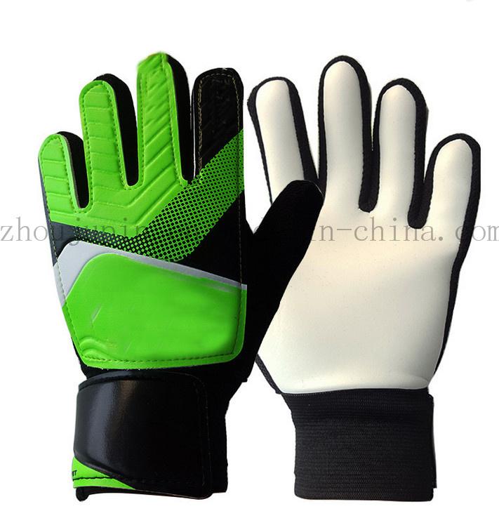 OEM Sport Non-Skid Children Football Goalkeeper Gloves for Promotion