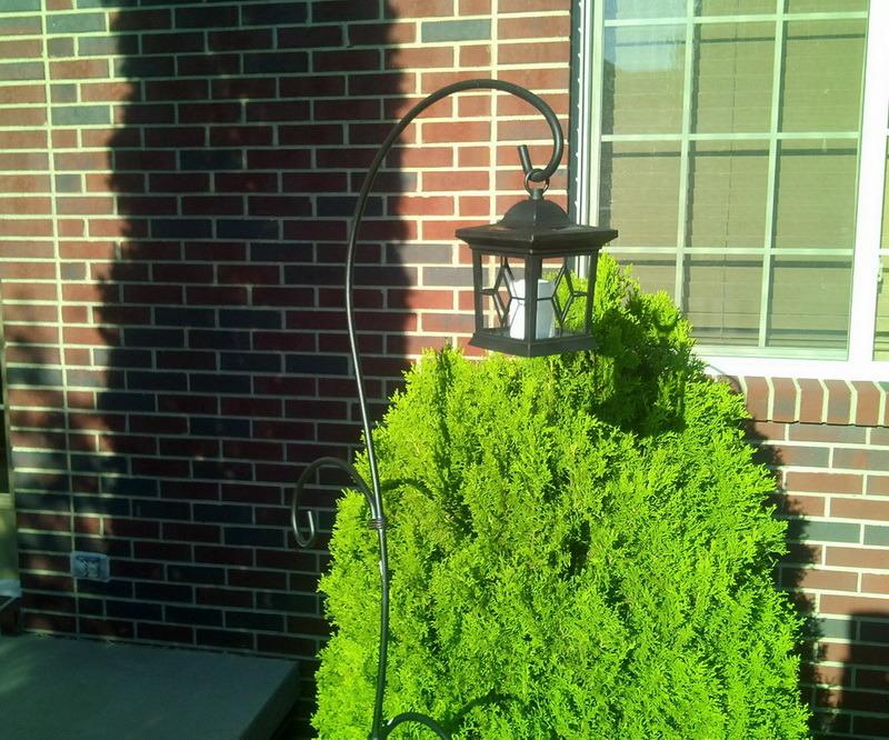Les lumi res solaires ext rieures de bougie de jardin noir for Lumieres exterieures pour jardin