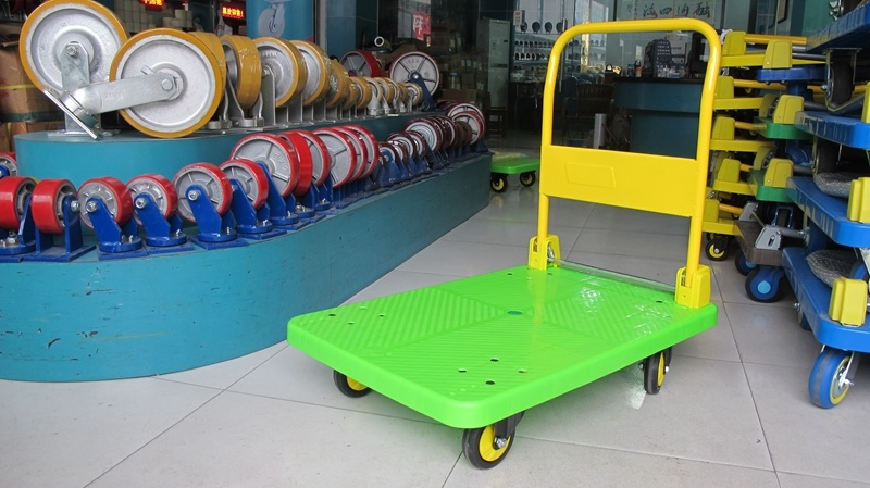 300 Kg Green Color Platform Handcart Noiseless Plastic Trolley