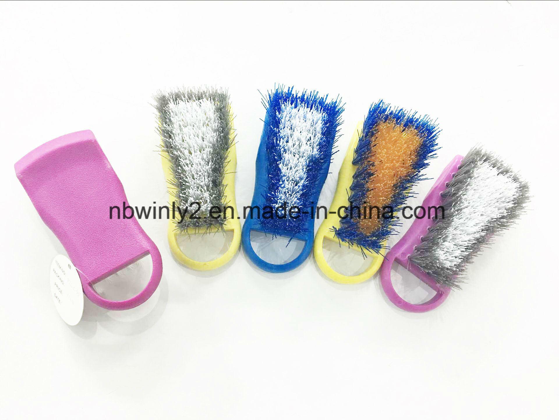 Contoured Bristle Tire Brush
