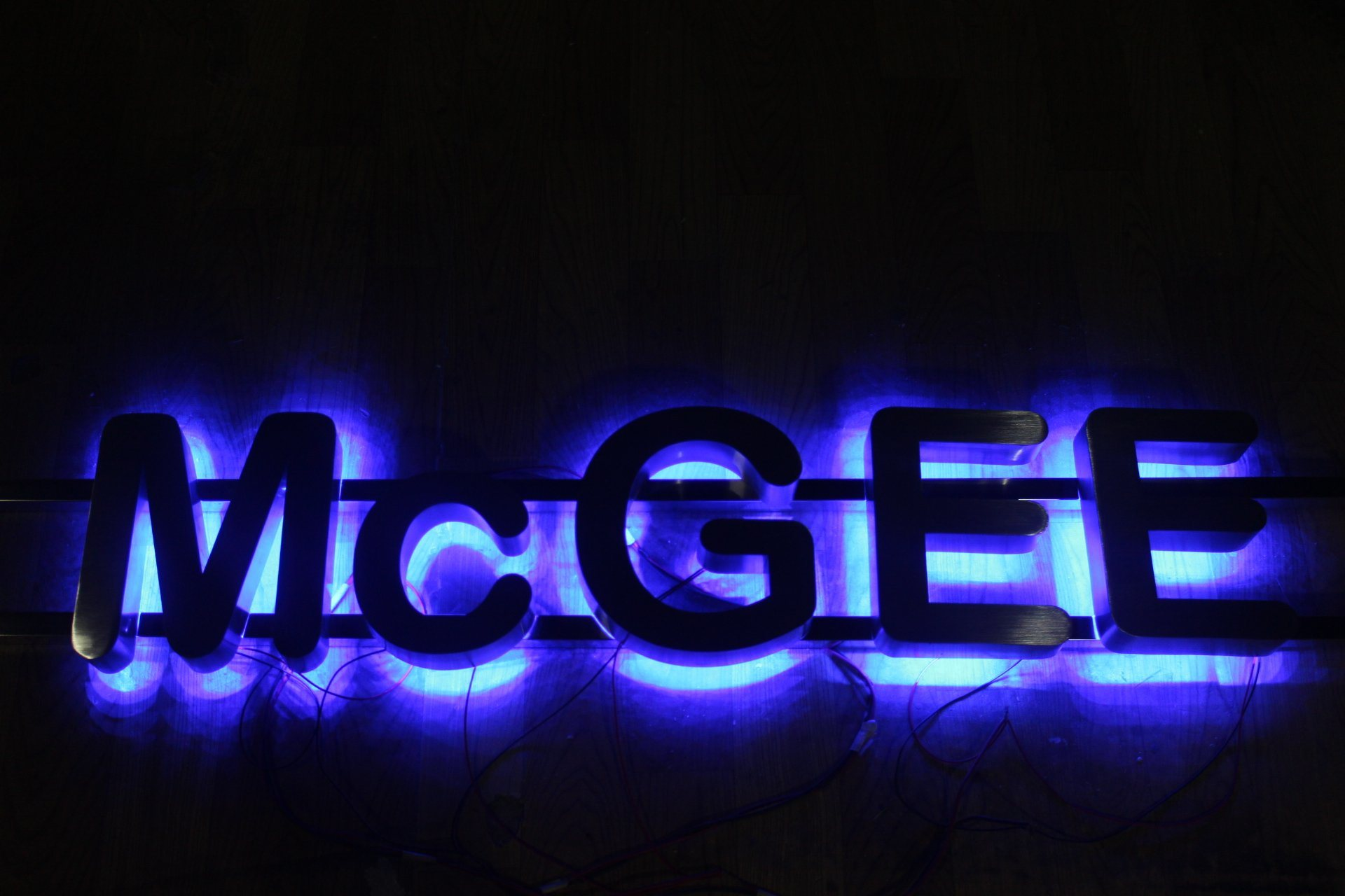 Metal Reverse Illuminated Sign for Advertising