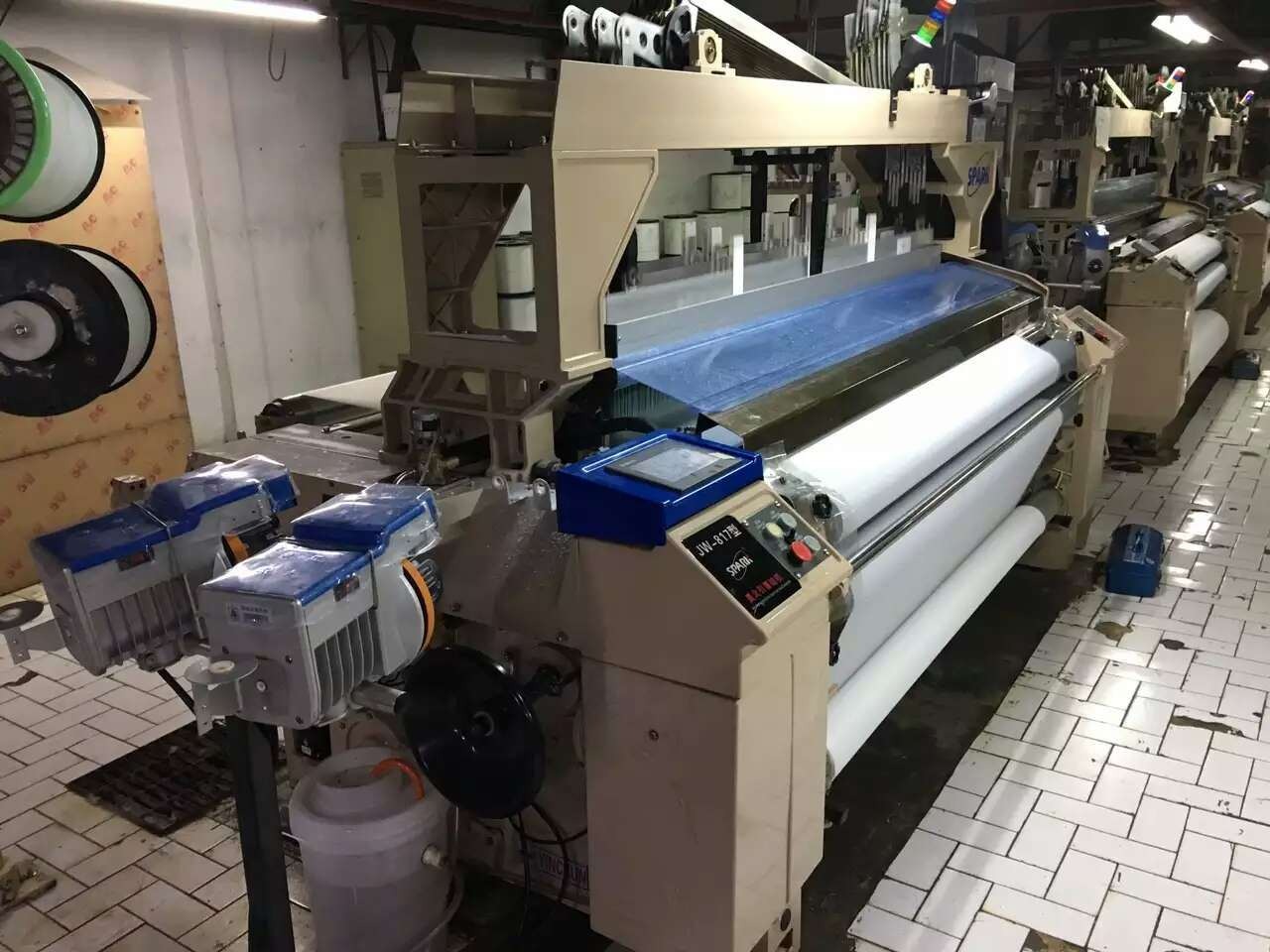Electronic Double Nozzle Textile Weaving Machine Cam or Dobby Shedding Water Jet Loom