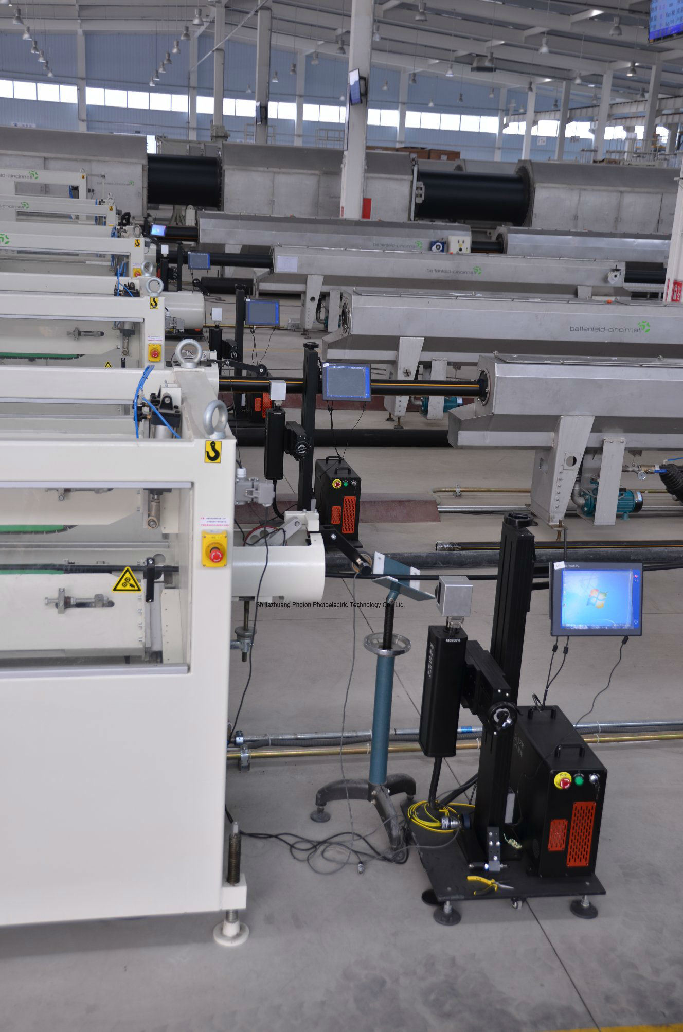 30W Ylpf-30b Fiber Laser Marking Machine for PP/PVC/PE/HDPE Plastic Pipe