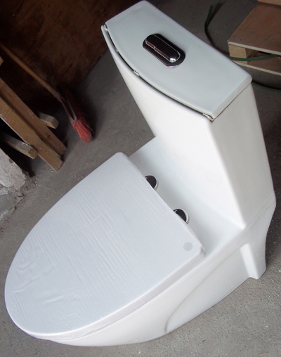 AAA Quality Bathroom Ceramic One Piece Toilet (HJ-5133)