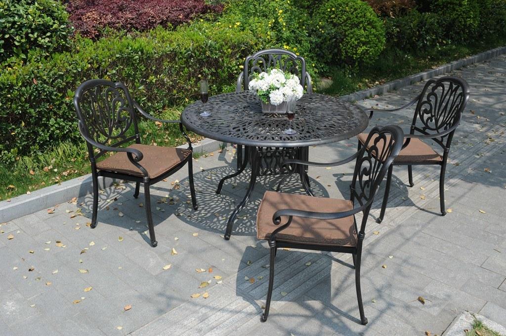 Garden Hotel Chat Conversational Set Cast Aluminum Furniture