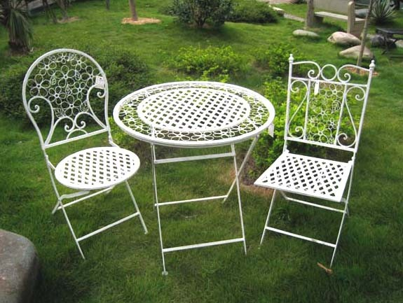 China 3PC Superior Elegant Fashion White Metal Folding Patio Outdoor Furnitur