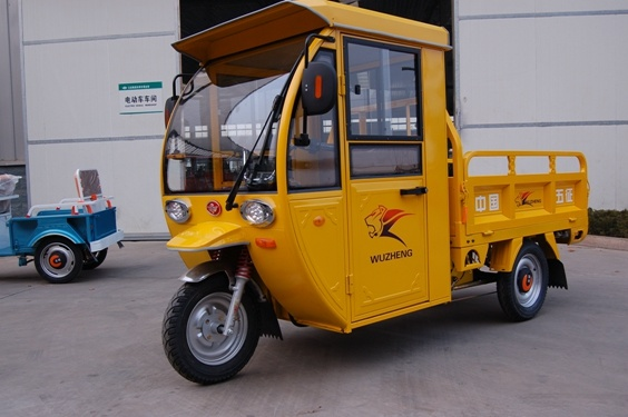 Three Wheeler Electric Tricycle with Cab