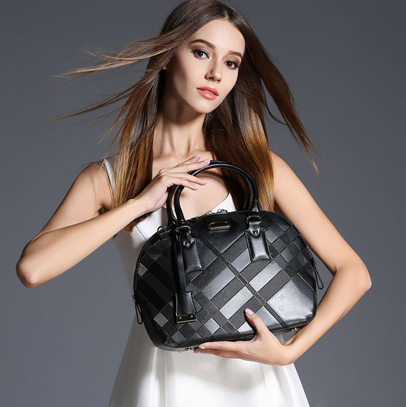 Newest Fashion Brand High Quality Cowhide Shell Package Wholesale Lady′s Handbag