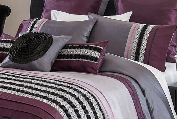 MID-Level Purple Romantic Embroidery Anf Pleat Panel Patchwork Bedding Sets