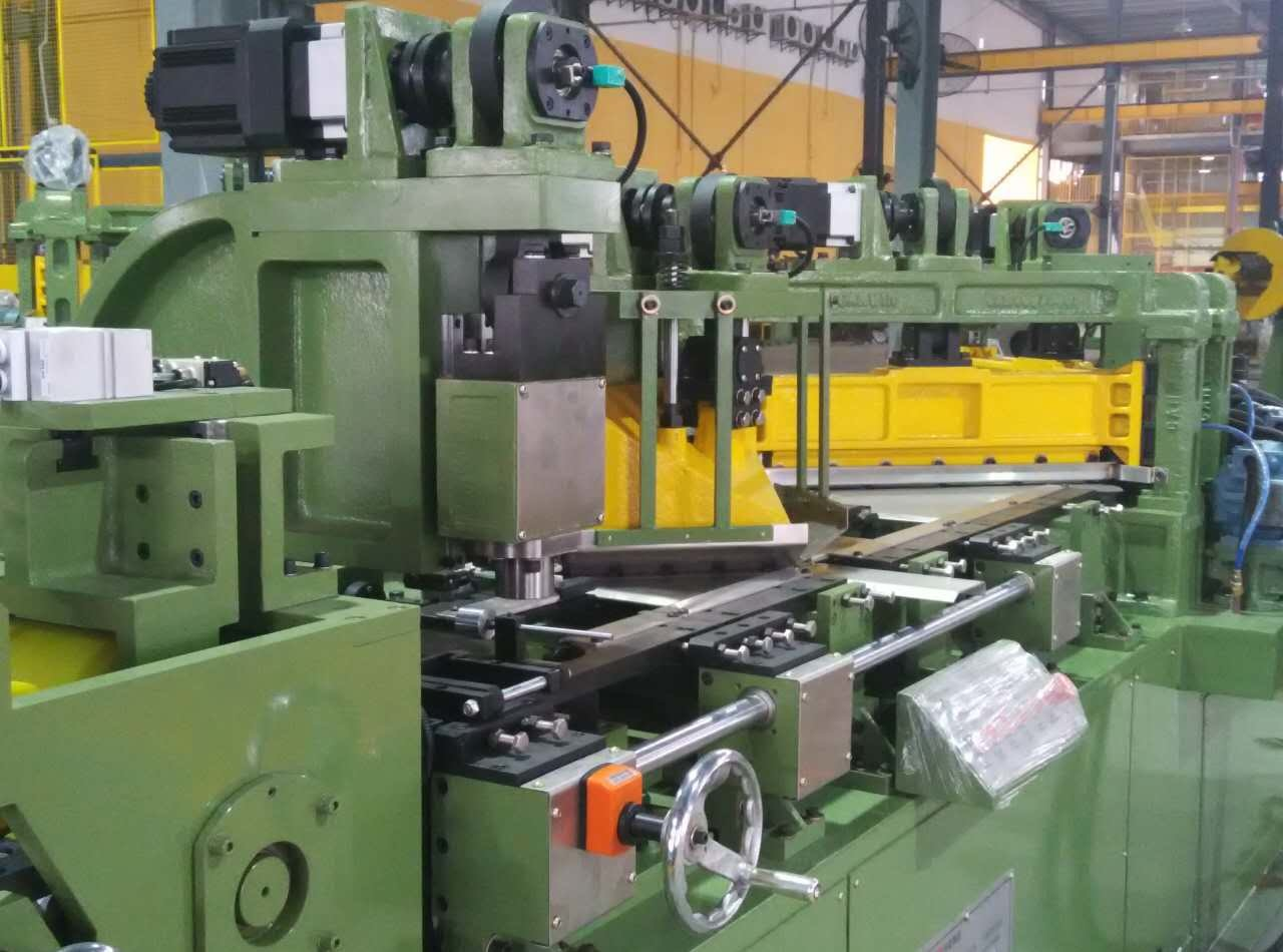 Automatic Ctl - Two Cutter and V-Notch Cut-to-Length Line