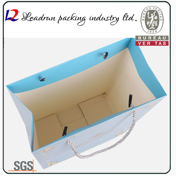 Paper Shopping Bag Coated Art Paper Carrier Print Packing Bag for Clothes Suit-Dress Underwear Sleepcoat Cosmetic Perfume Shoes (a104)