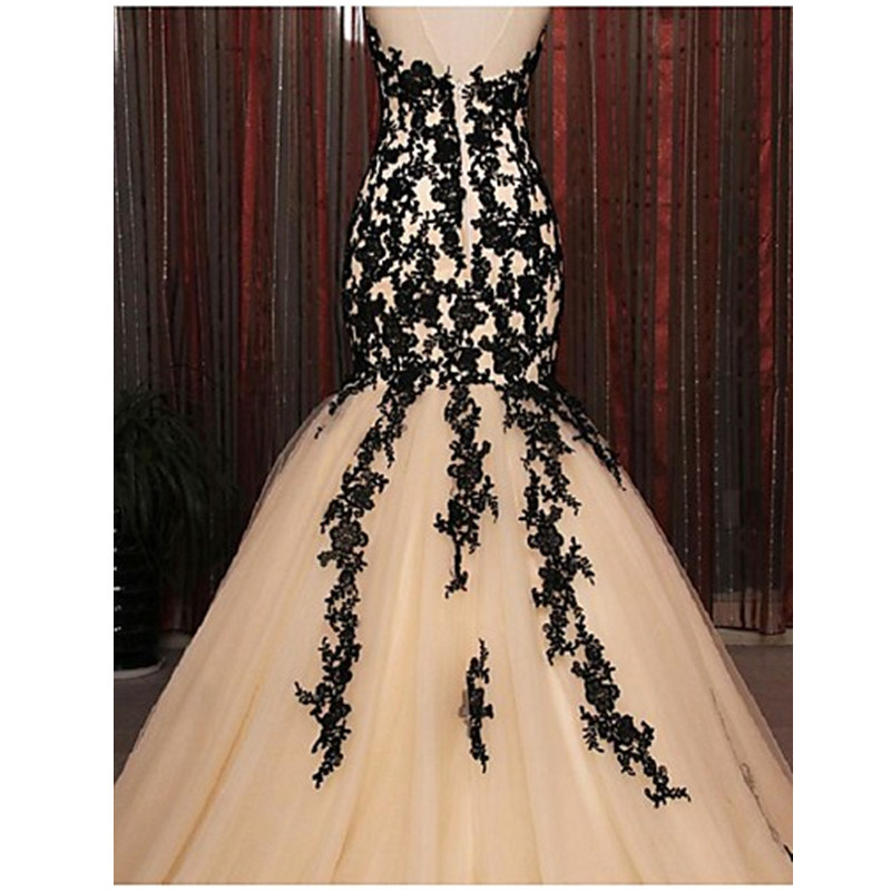 2017 Formal Evening Dress Fit & Flare Halter Court Train Lace / Tulle with Appliques / Lace (Dream-100099)