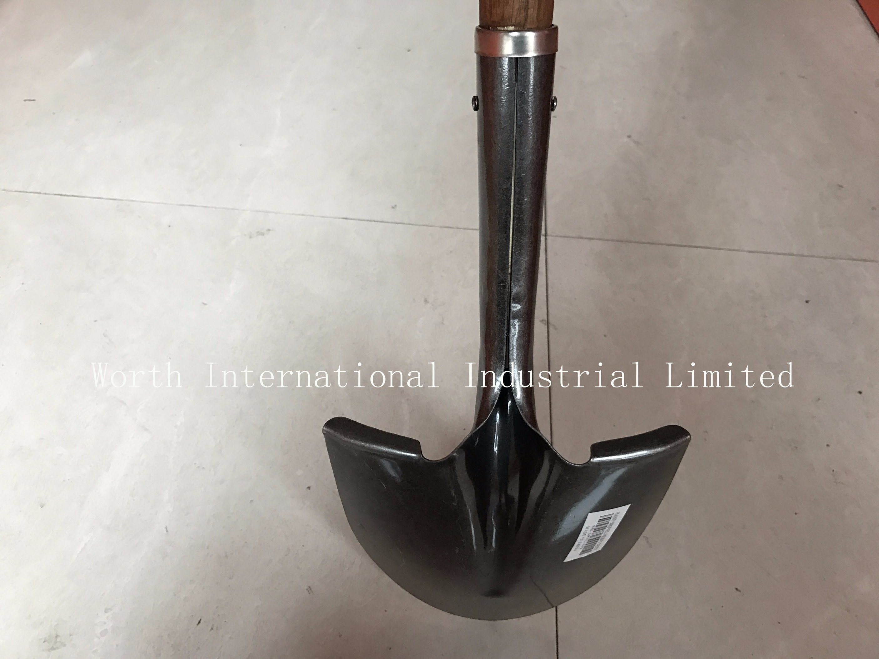 Long Wooden Handle Shovel for Qatar