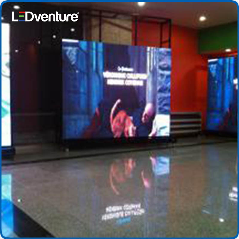 Indoor Full Color Giant LED Banner for Advertising