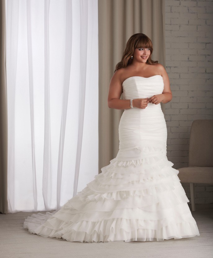 The information is not available right now for Plus size wedding dresses for cheap
