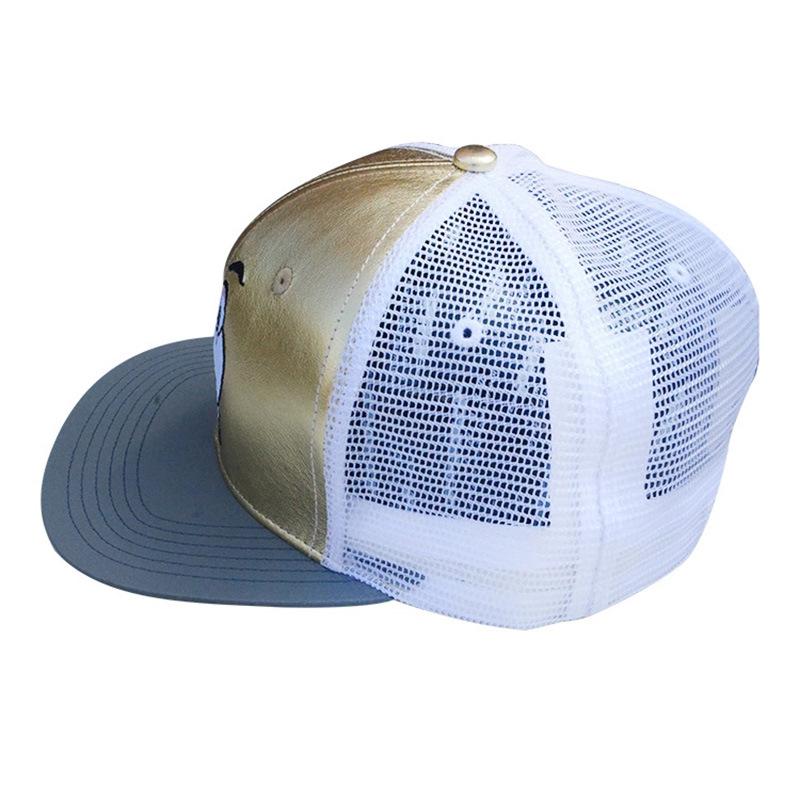 Gold/White 6 Panels PU/Mesh Flat Brim Cap Trucker Cap with Embroidery