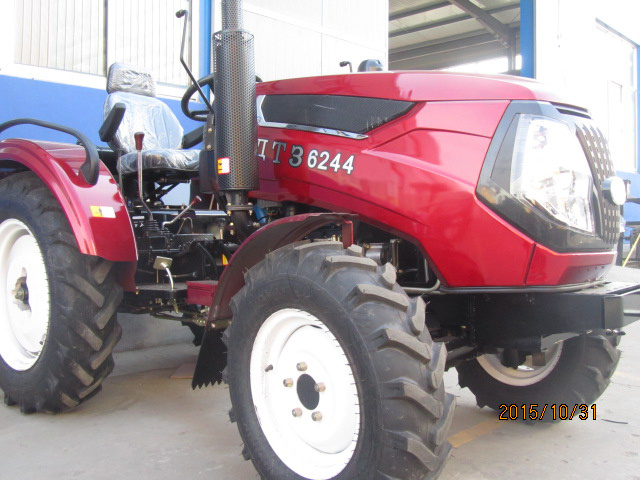 2015 Hot Sale 4WD Cheap Farm Tractor with CE to Ukraine Market