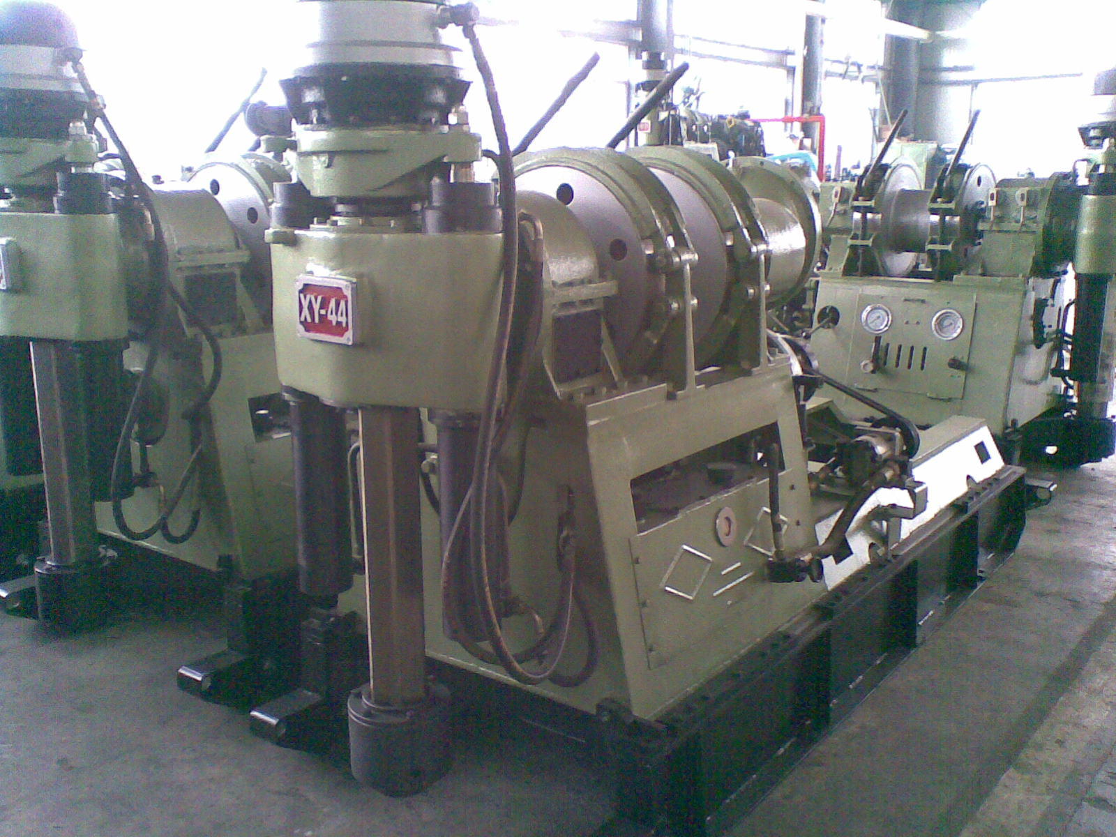 Spindle Type Core Drilling Rig (XY-44A) with 1400m Drilling Capacity