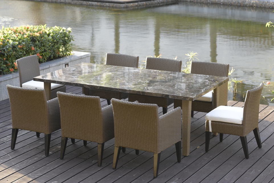 China Outdoor Furniture Luxury Dining Set China Garden