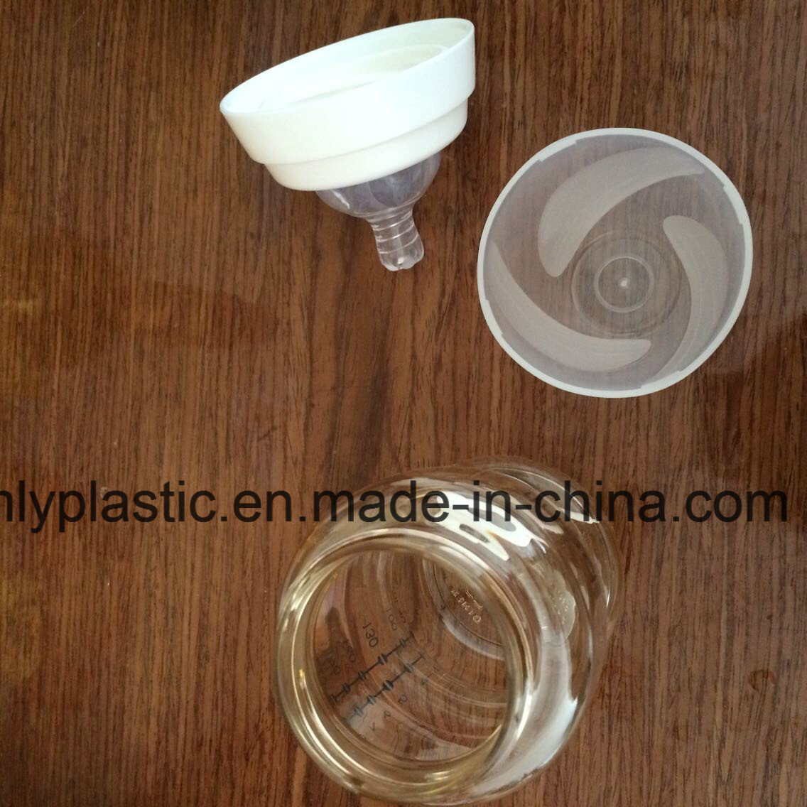 Slight Amber Engineering Plastic PPSU (Polyphenylsulfone) for Baby Bottles