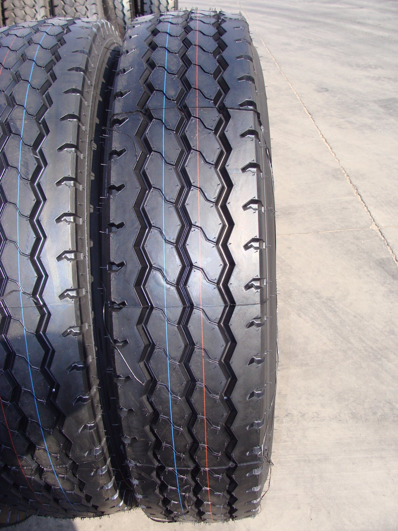 2017 Good Quality Cost Performance Radial Truck Tire 1200r20 New Pattern