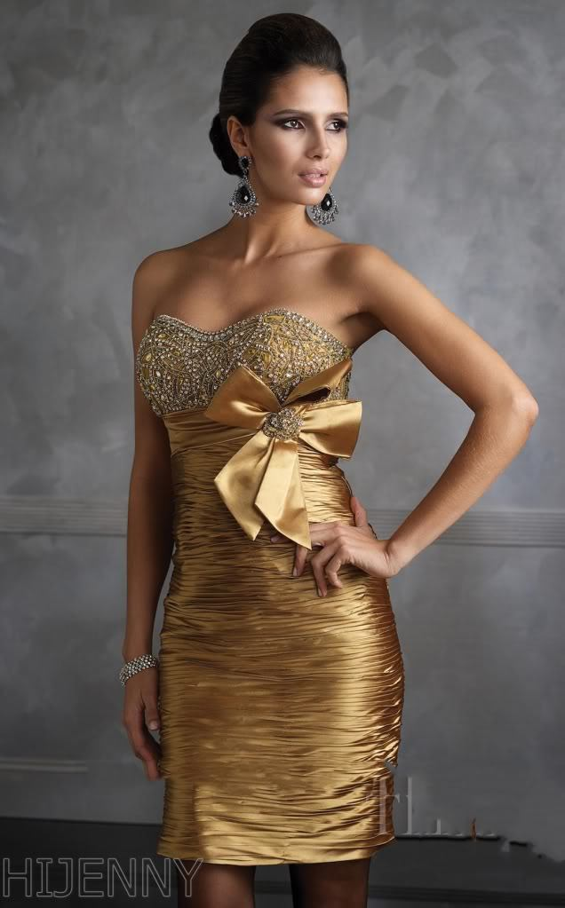Фото золотых платьев