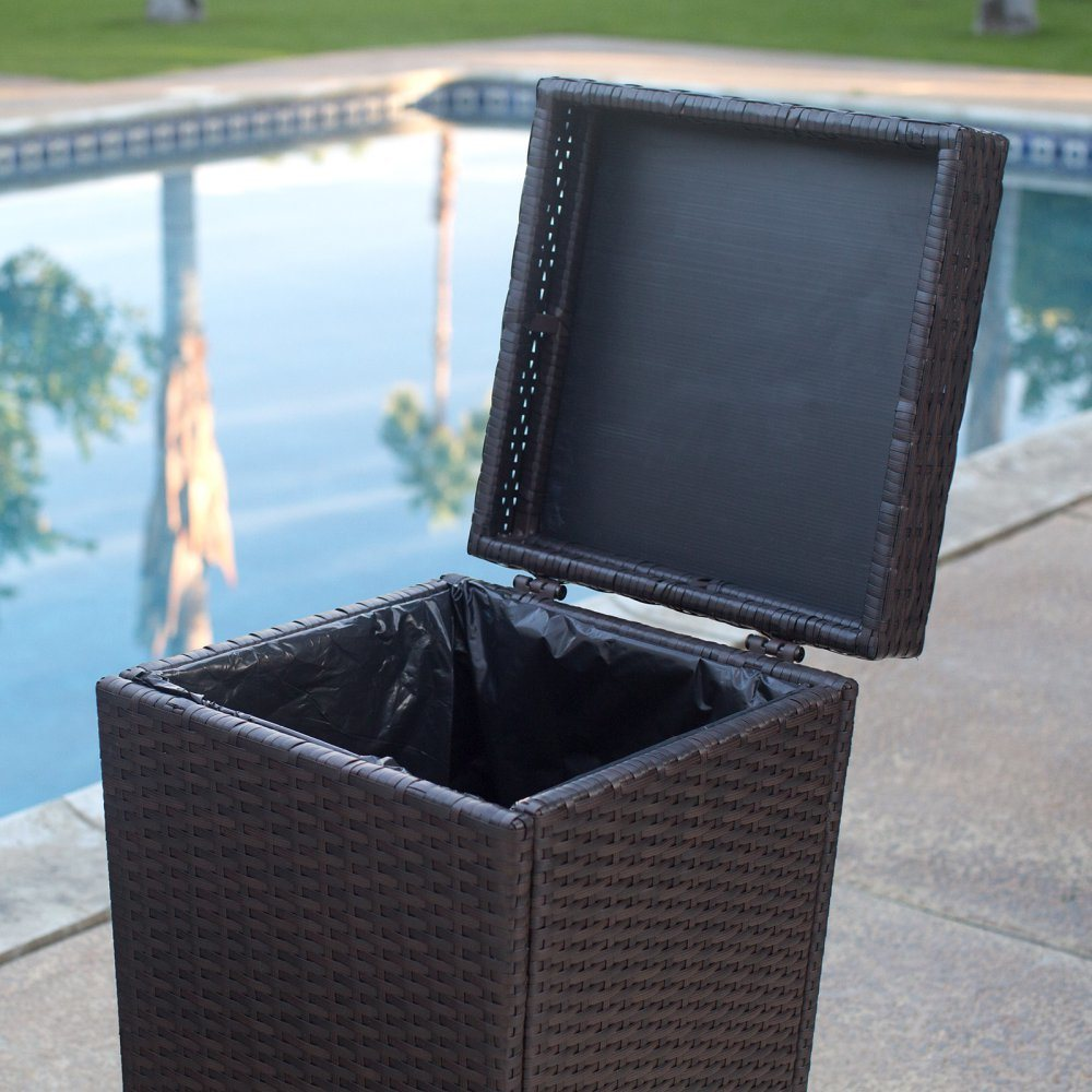 Well Furnir Wicker Outdoor Trash Can