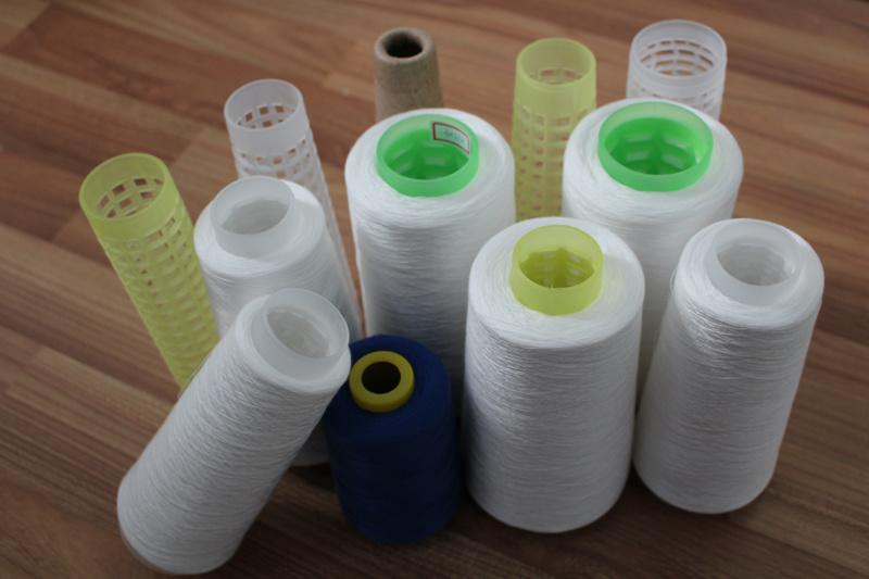 20s 30s 40s Z Twist Spun Polyester Yarn Raw White Short Fiber Yarn Ring Spun