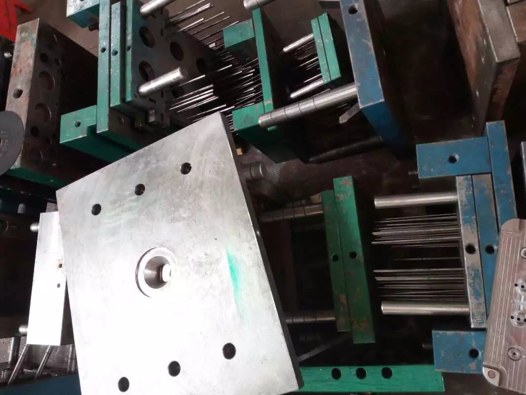 Professional Plastic Injection Mold/Mould/Injection Moulding/ Mould Tooling for Cookware
