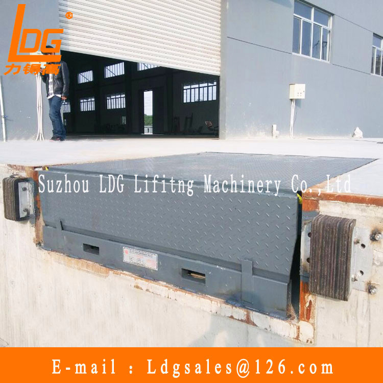 Stationary Hydraulic Container Dock Ramp (DCQ28-0.66)
