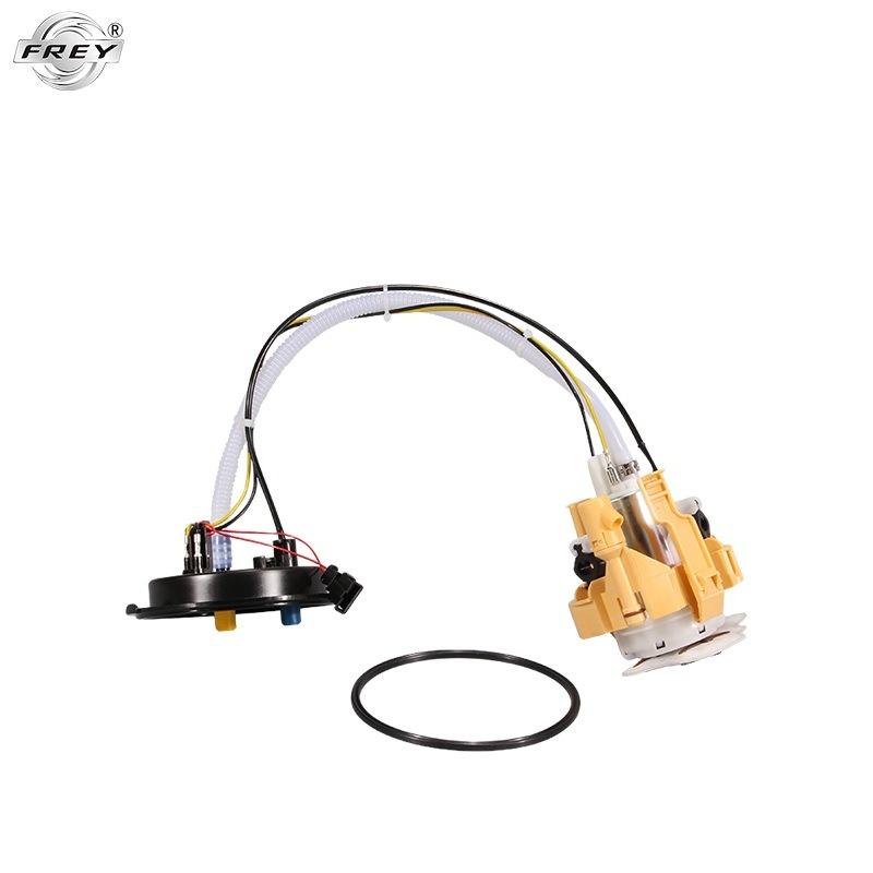 Auto Parts Fuel Pump for 16117170011 E65 E66 N52 pictures & photos