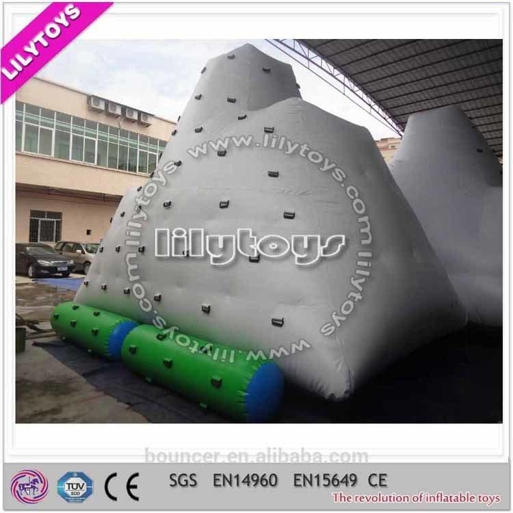 SGS Popular Water Park Hot Welding Inflatable Iceberg Water Toy