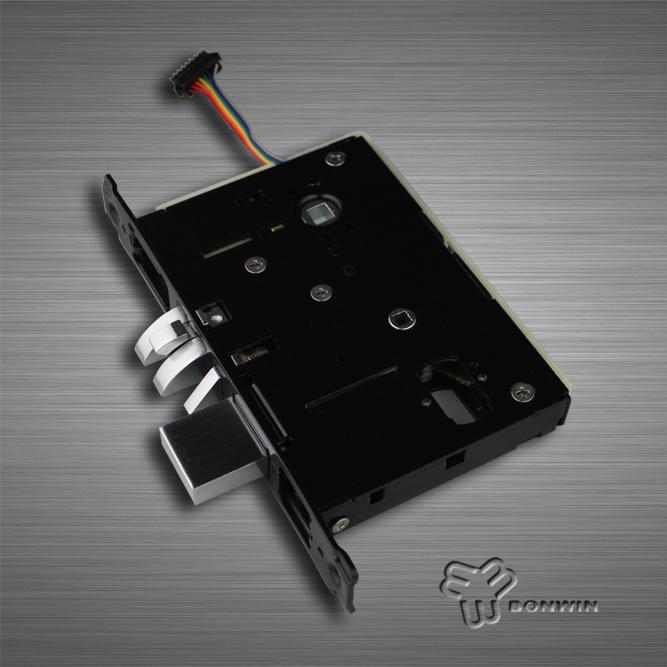 China Electronic Digital Cylinder Door Locks and Handles