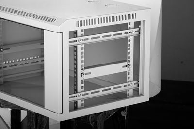 19′′ QC Wall Mount Rack Cabinet