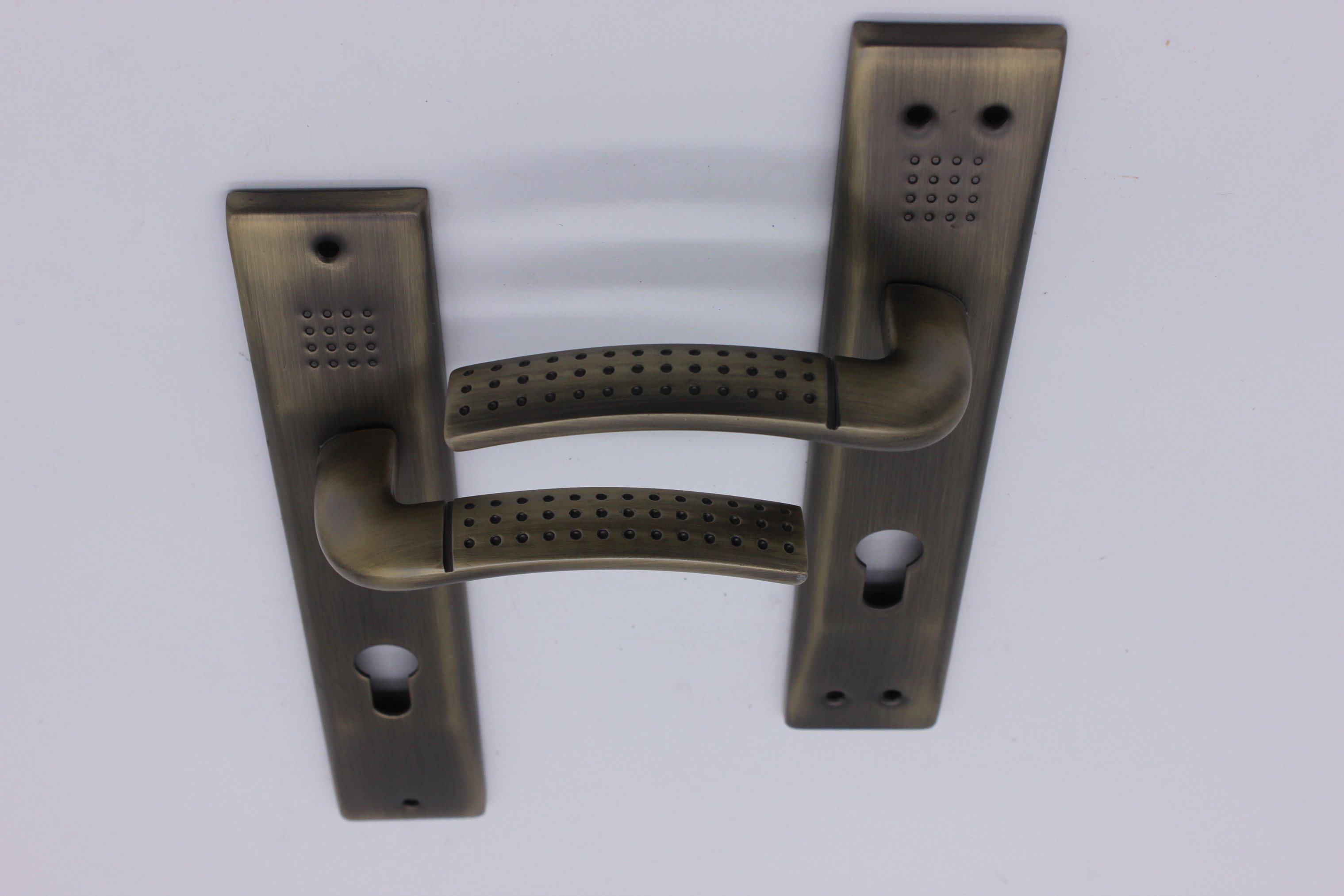 Aluminum Door Handle on Iron Plate