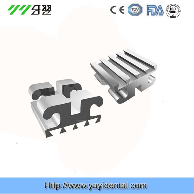 Orthodontic Bracket with Dovetail Base