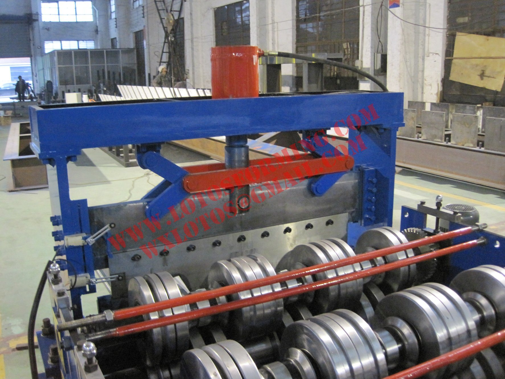 Steel Sheet Lotos Deck Floor Roll Forming Machine with Ce Certification