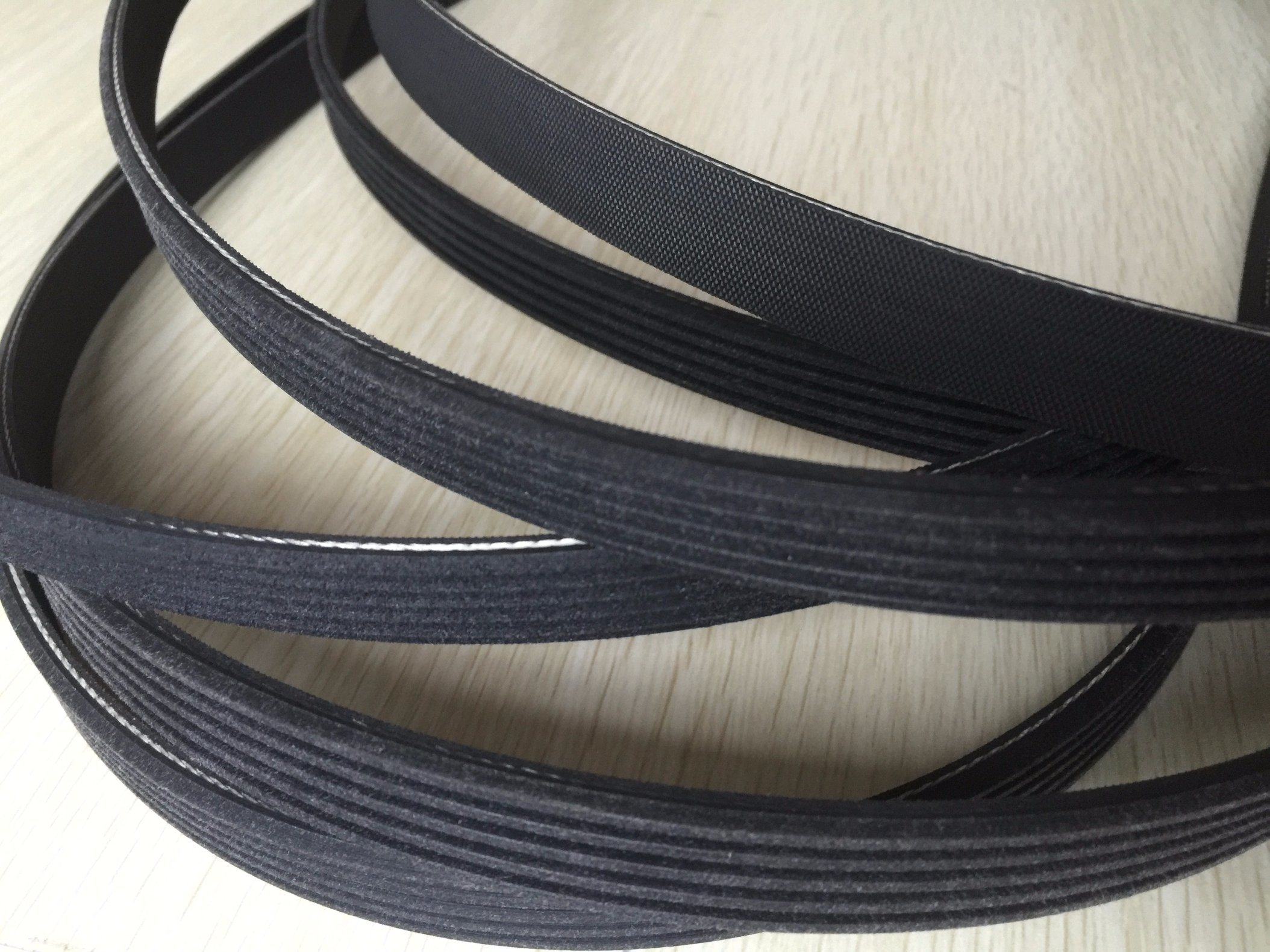 Automotive Pk Belt, Fan Belt, Ribbed Belts for Autos +Paz