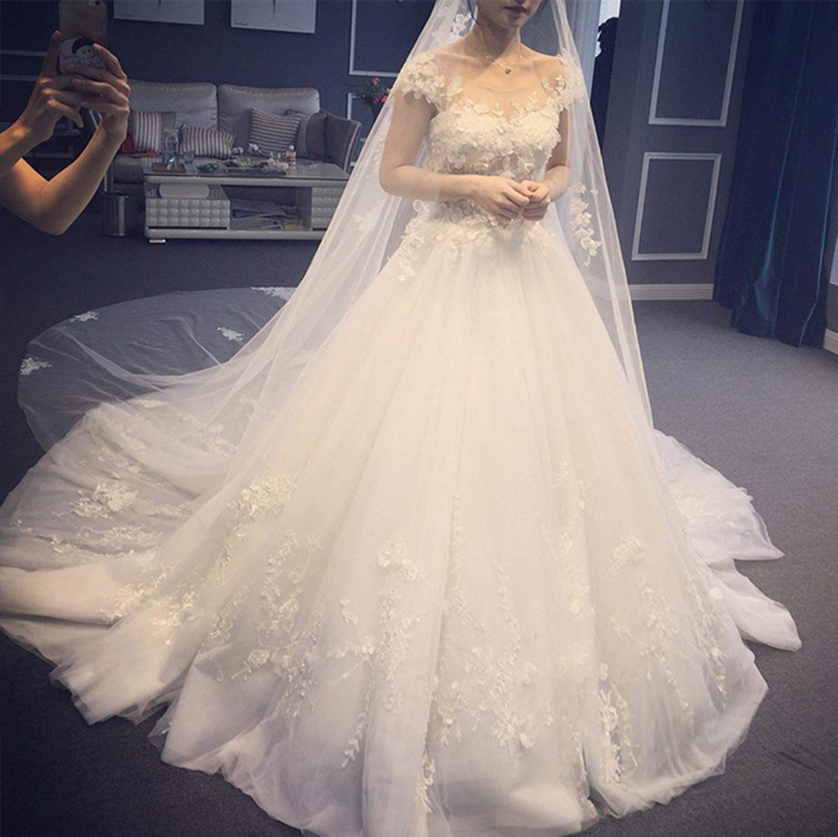 2017 Elegant Princess Bateau Bow Waist Wedding Dress (Dream-100063)