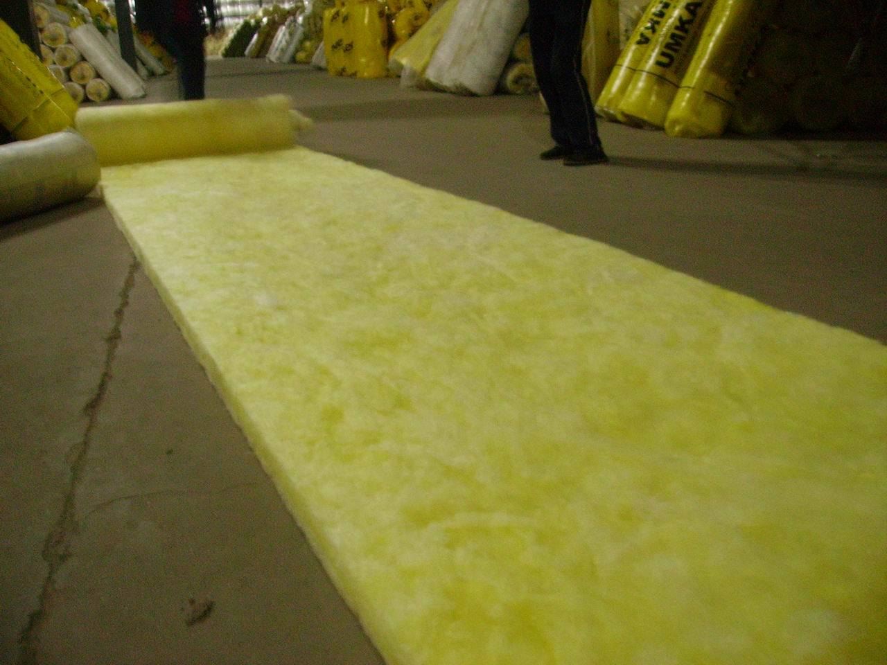 Glass wool china glass wool roll glass wool pipe for Glass wool insulation