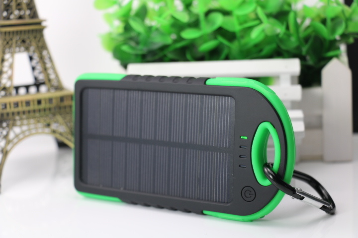 Portable Waterproof/Dustproof / Shakeproof Solar Power Bank with LED Light 4000mAh